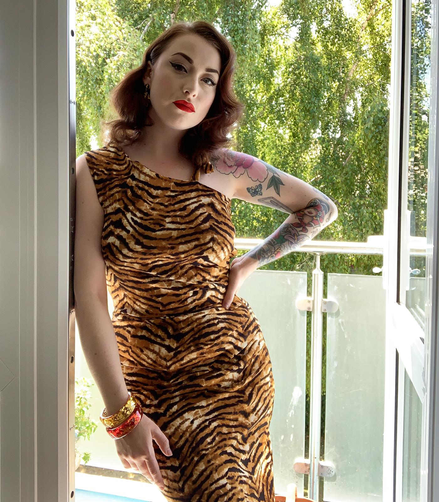 Dora Vintage style wiggle dress in tiger print